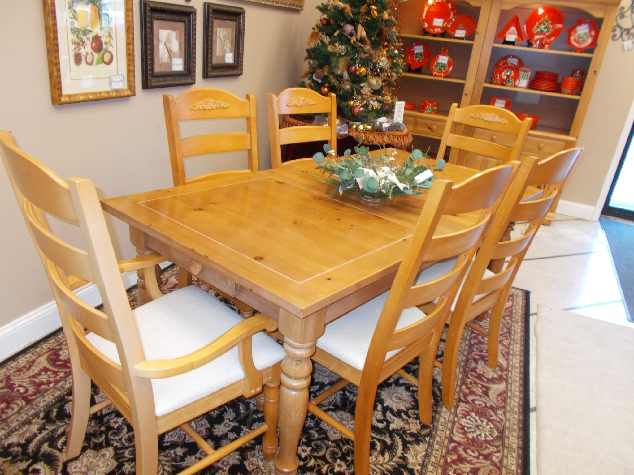 Broyhill Dining Table 60 X 36 2 Arm 4 Side Chairs 2 12 Leaves And Pads Upscale Resale Furnishings Of Gahanna